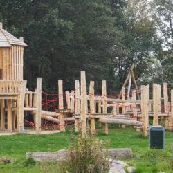 Feestelijke ingebruikname van het nieuwe speeltoestel in Zuiderpret op zaterdag 10 november