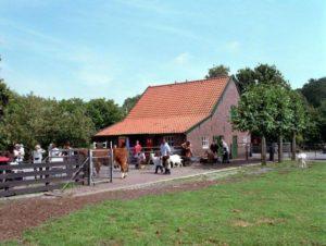 Ouderenmiddag op stadsboerderij Herwijerhoeve @ Stadsboerderij Herwijerhoeve | Den Haag | Zuid-Holland | Nederland